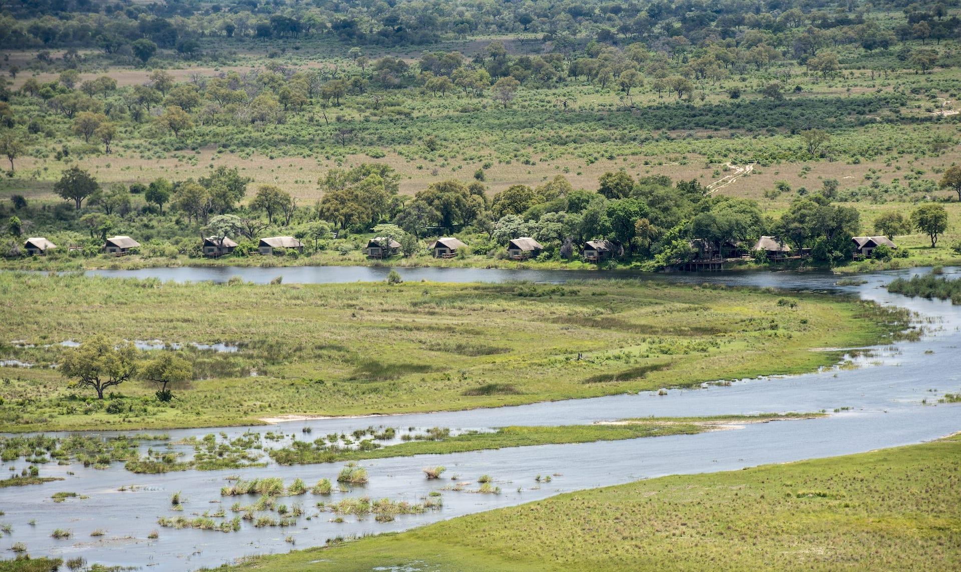 ALGEMEEN 6 - BW - Kwando Safaris - Lagoon aerial 2 - BW 2