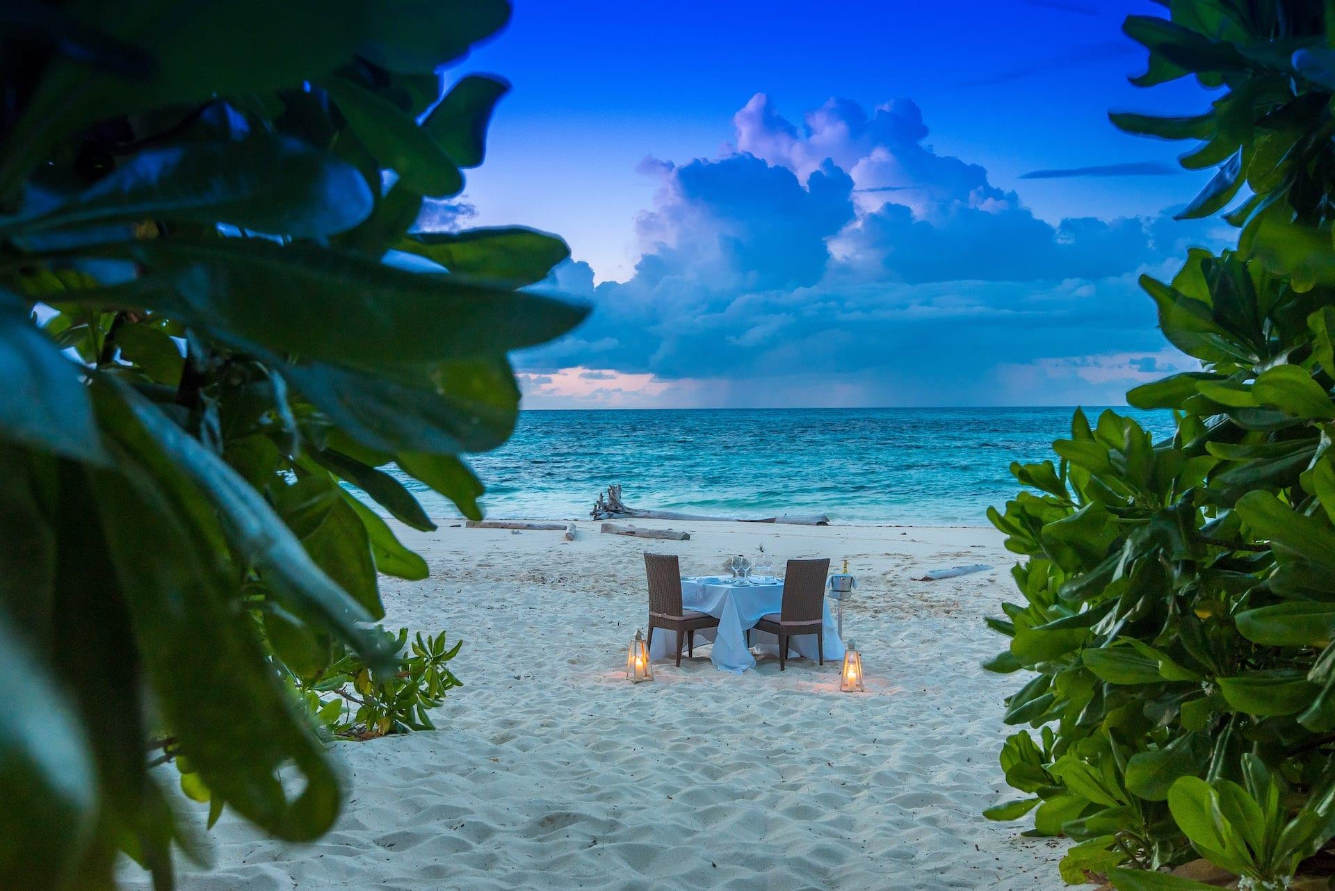 # FOTO - Denis - Private Beach Dinner 1