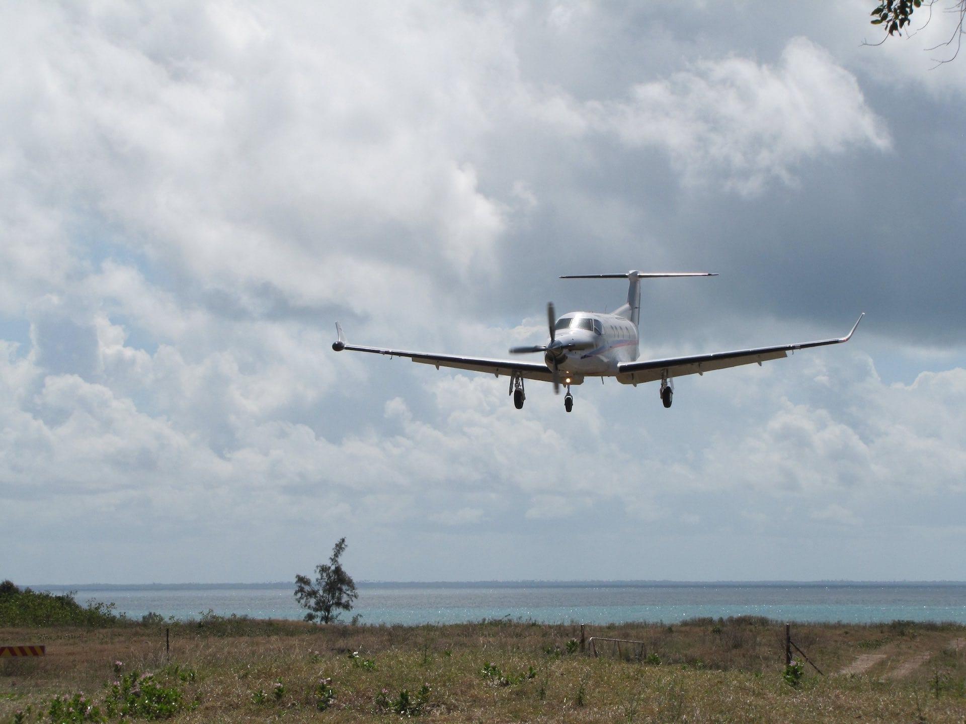 Vamizi Private Villas - Incoming Plane