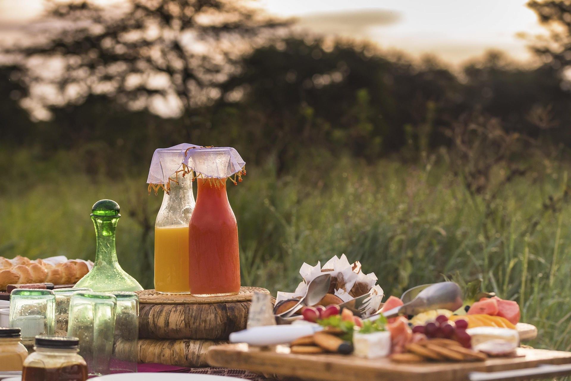 Dunia Bush breakfast set up