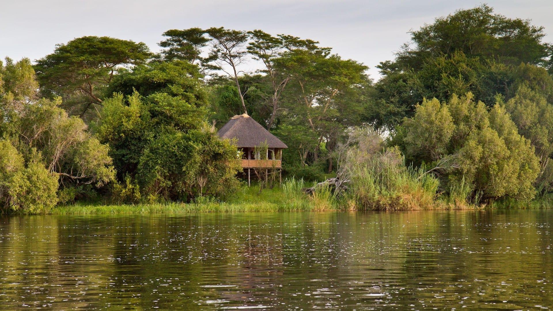 Chundukwa River Lodge - chundukwa_river_lodge_-_rooms_on_stilts