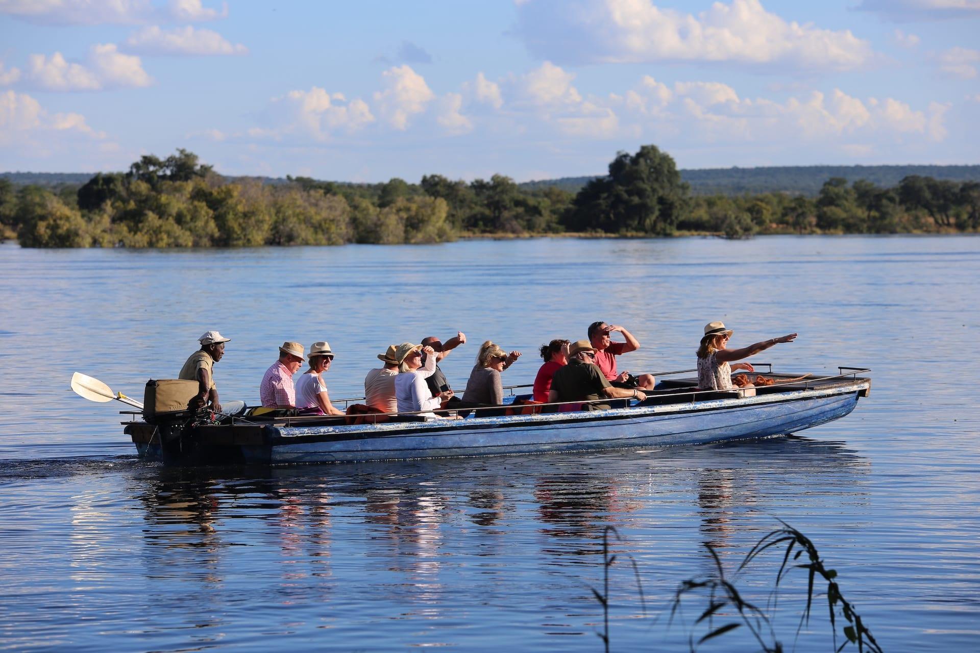 Chundukwa River Lodge - sunset_cruise_11