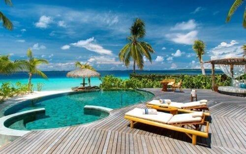 # KOPFOTO - 100720-09-beach-residence-exterior-sakis-new-e1576175757822