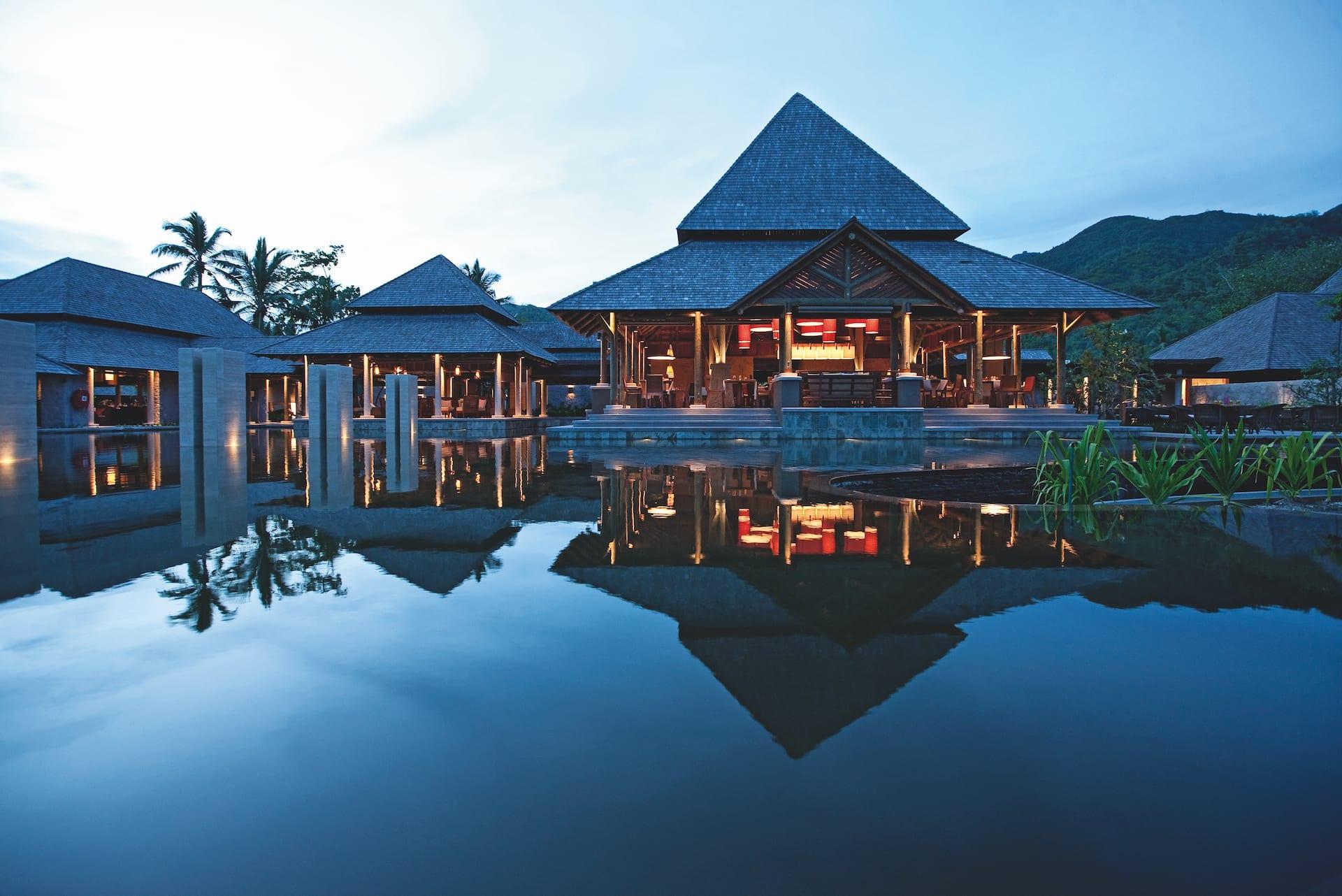 ephelia-seychelle-architecture-main-building-1